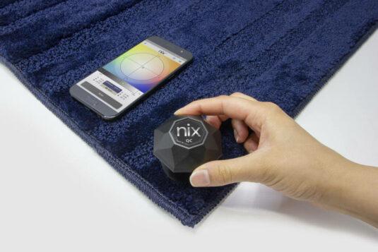 Nix QC Color Sensor scanning blue towel