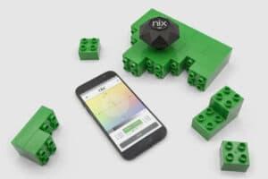 Nix Color Sensor measuring green lego pieces