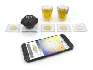 Measuring the color of whiskey in the quality control process