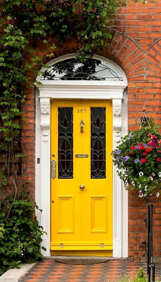 Home renovation idea: Paint your front door